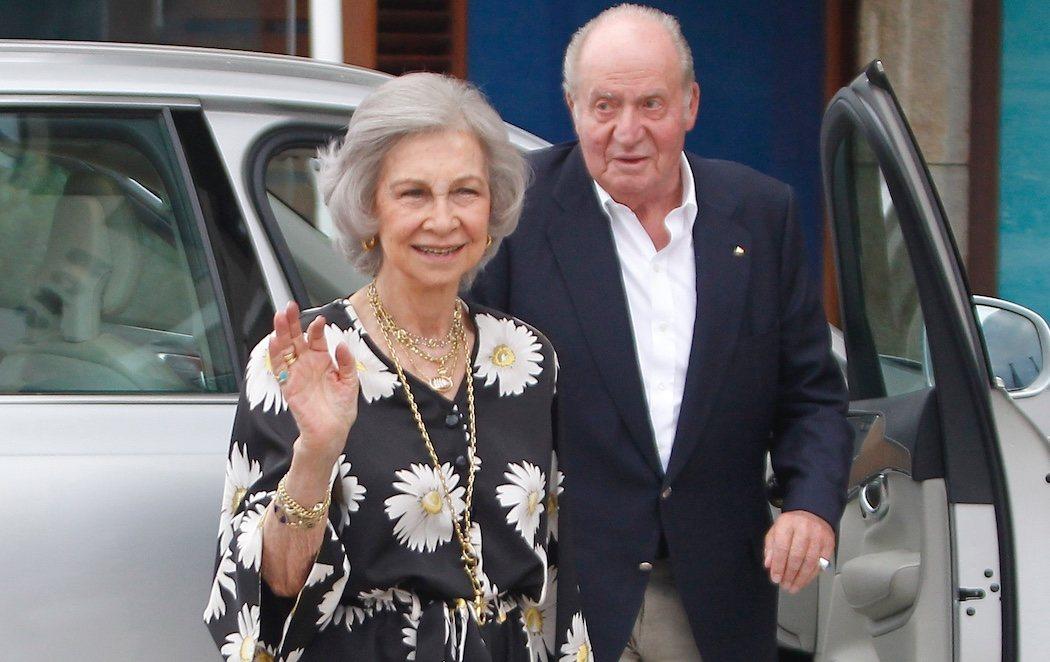 Don Juan Carlos y doña Sofía se reencuentran públicamente en Sanxenxo
