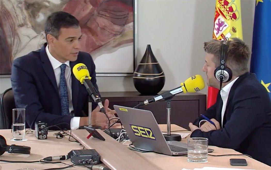 """Sánchez carga contra Iglesias tras romper relaciones y califica su consulta de """"mascarada y trucada"""""""