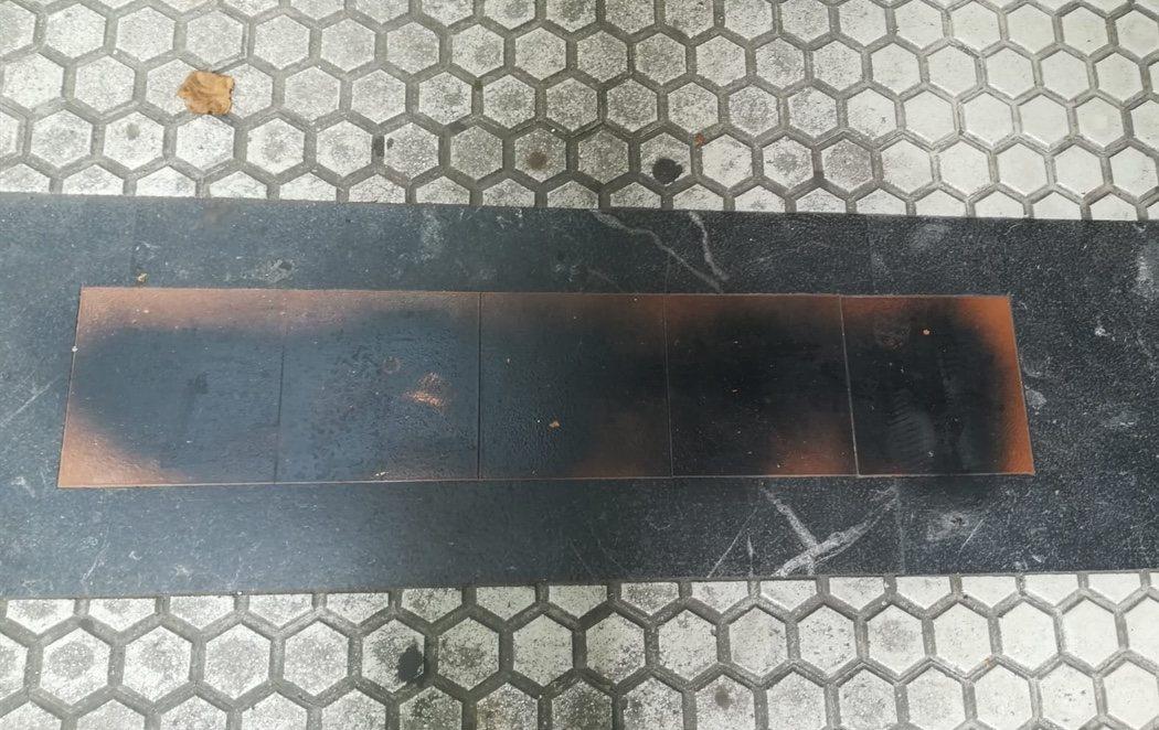 Sabotean las placas en recuerdo a las víctimas de ETA en San Sebastián