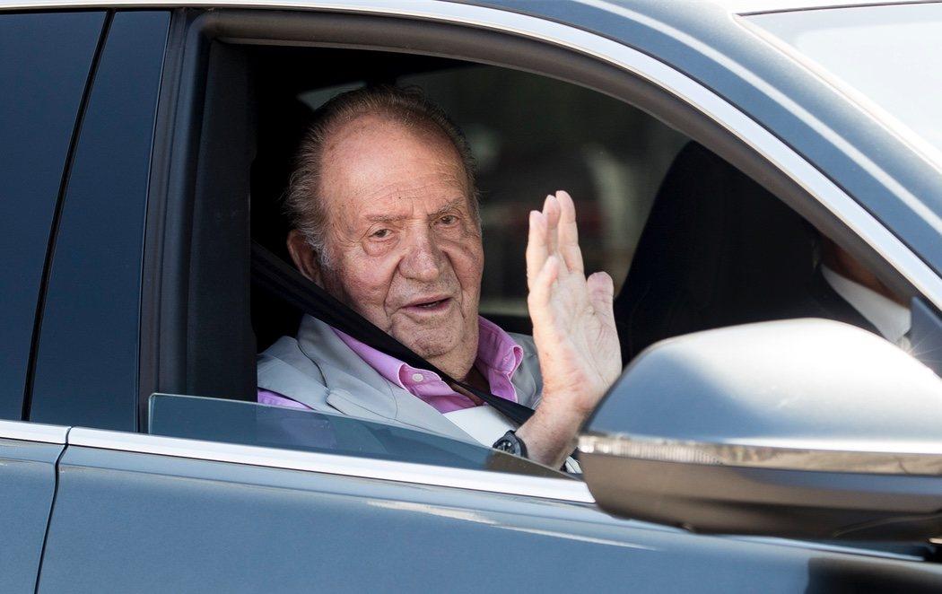 """El rey Juan Carlos recibe el alta: """"Me encuentro fenomenal con tuberías y cañerías nuevas"""""""