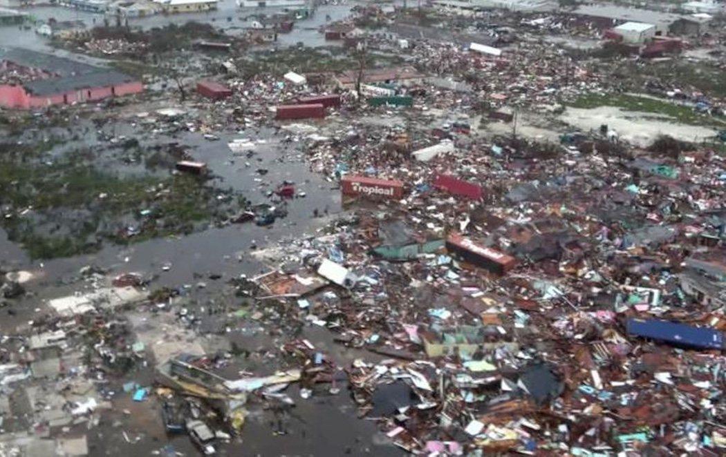 El huracán Dorian deja siete víctimas mortales y decenas de heridos a su paso por Bahamas