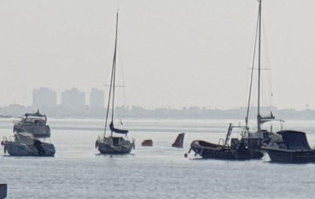 Un instructor y su alumna mueren al estrellarse en el Mar Menor con su avioneta del Ejército del Aire