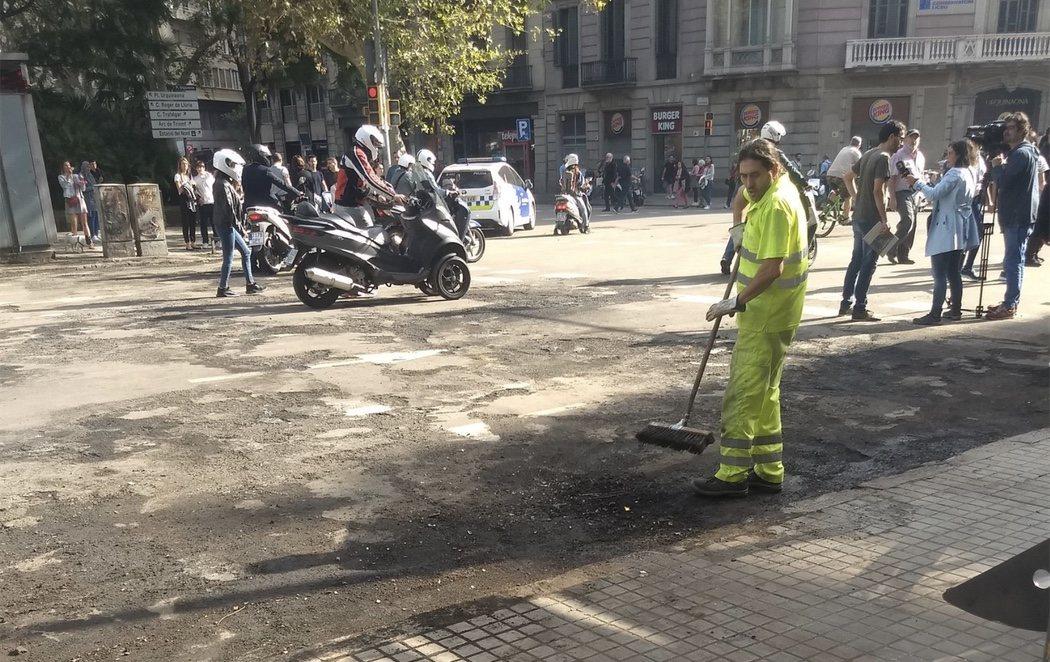 Barcelona muestra las consecuencias de los destrozos tras cinco noches de disturbios