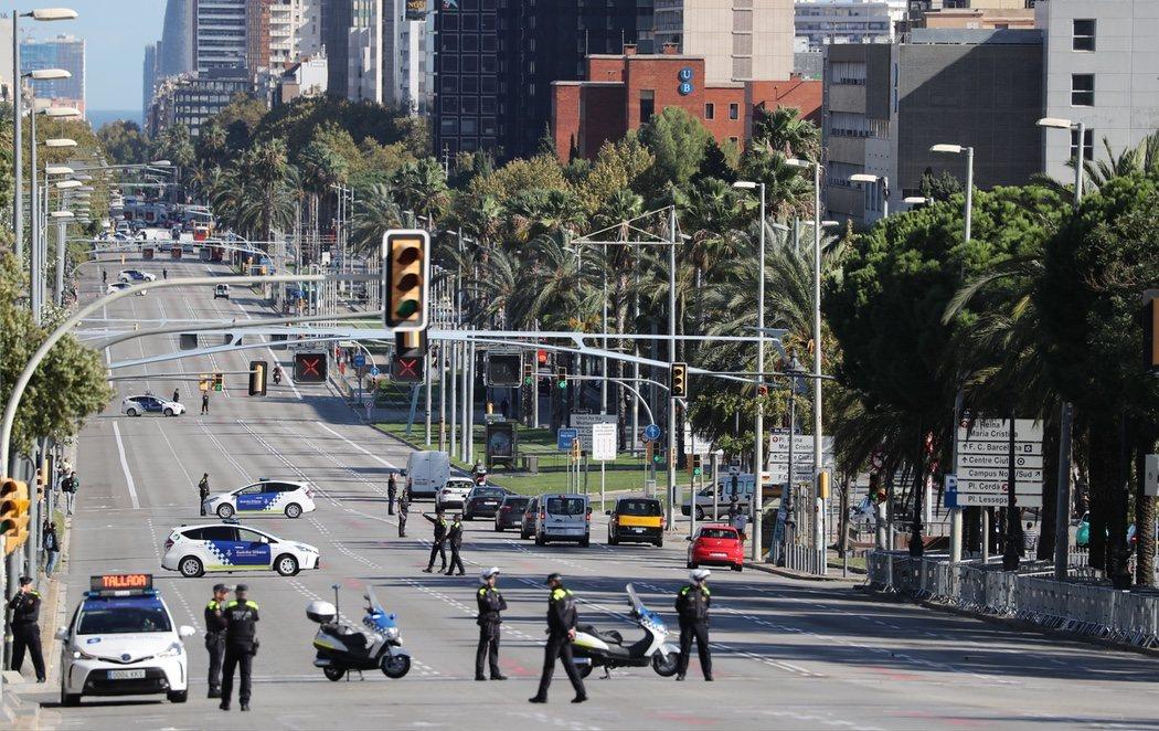 Los reyes abandonan Barcelona en mitad de un gigantesco despliegue policial