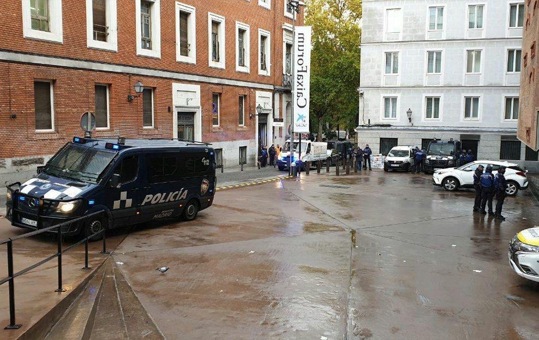 Almeida ejecuta el cierre y desalojo del centro social La Ingobernable de Madrid