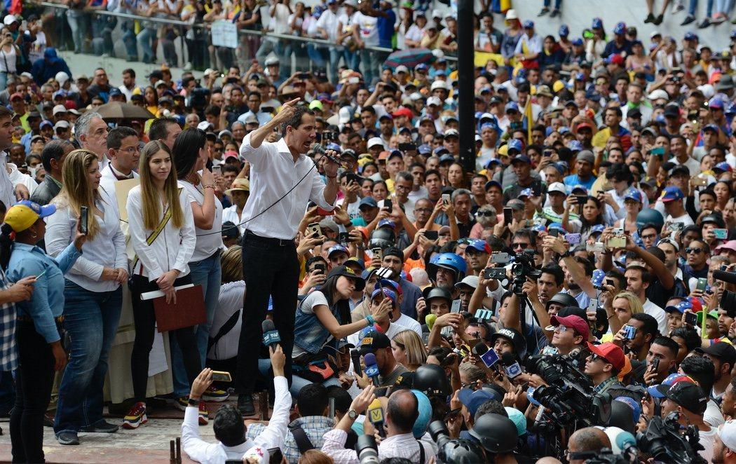 Partidarios de Guaidó se manifiestan para reclamar un cambio como el de Bolivia