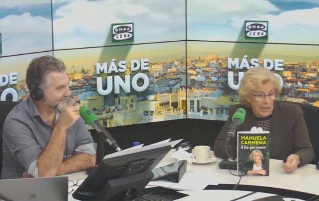 El pedo que interrumpe la entrevista de Carlos Alsina a Manuela Carmena