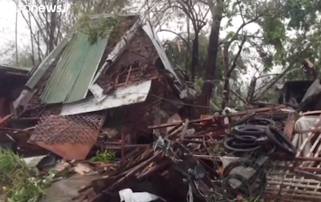 Al menos 16 muertos en Filipinas tras el paso del tifón Phanfone