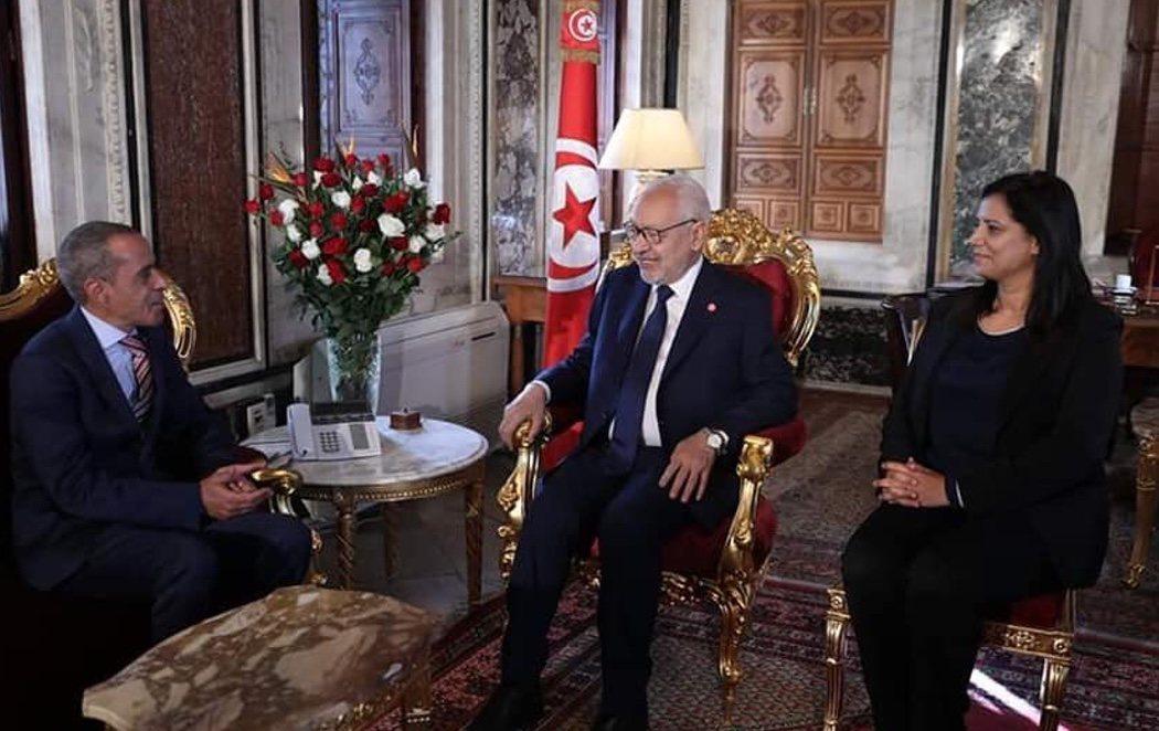 Túnez presenta gobierno con el partido conservador Ennhada con un 40% de mujeres