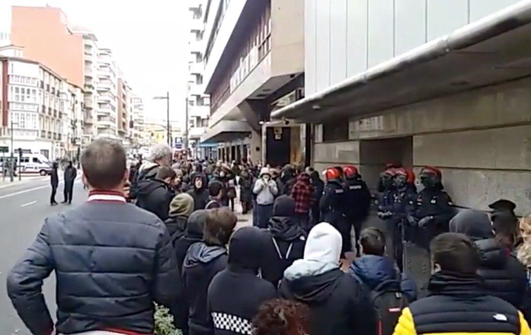 Diez detenidos en la huelga general convocada en País Vasco y Navarra