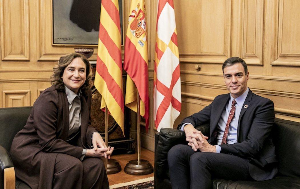 Ada Colau y Pedro Sánchez, aliados en el diálogo
