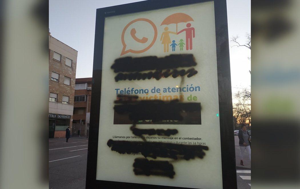 Boicot a la campaña de HazteOír a favor de la censura parental que Almeida tolera en las calles