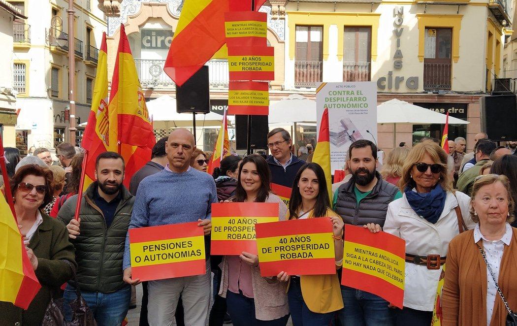 VOX 'celebra' el Día de Andalucía en Sevilla con una manifestación en contra de las autonomías