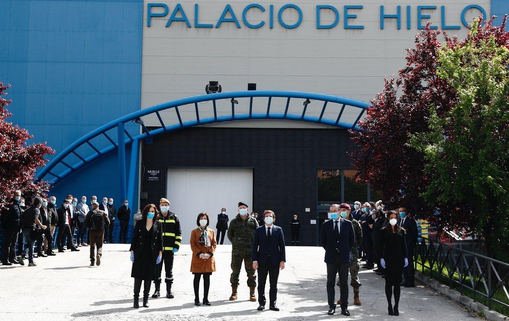 Cierra la morgue del Palacio de Hielo de Madrid ante la bajada de muertes por coronavirus
