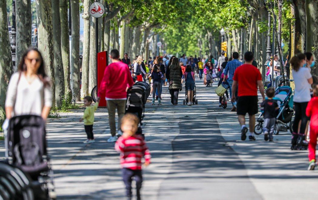 Casi 6 millones de niños salen a la calle tras el decreto del Gobierno