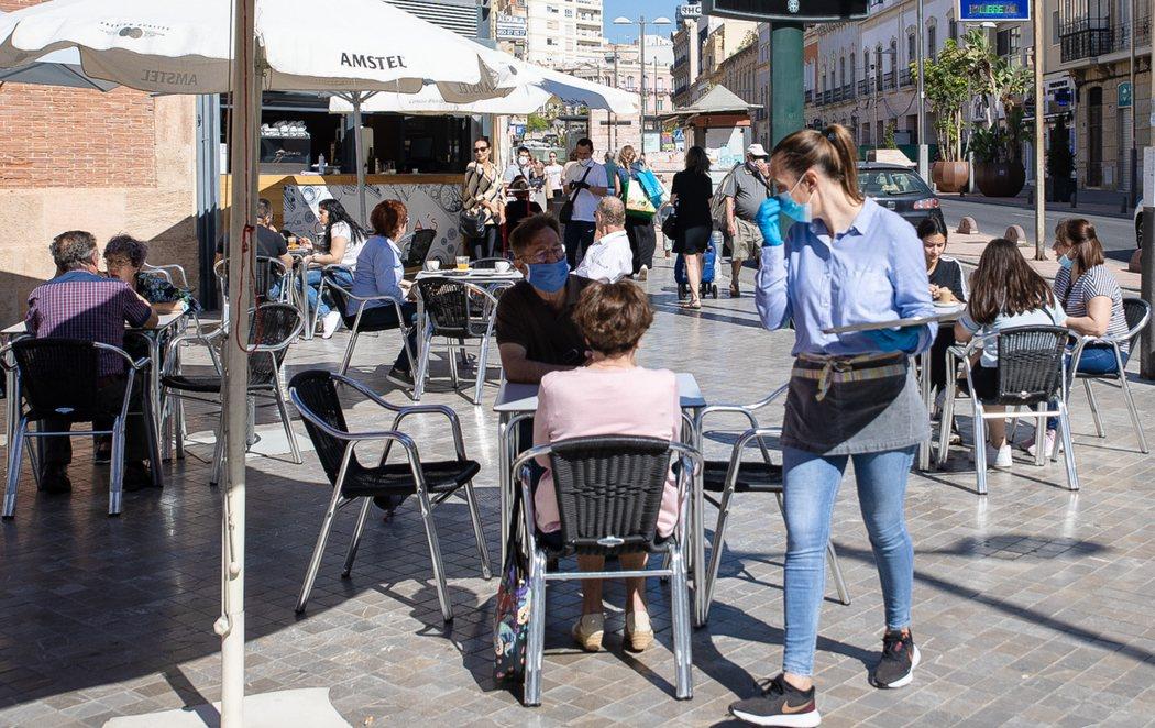 Media España arranca la Fase 1 con la reapertura de terrazas y comercios