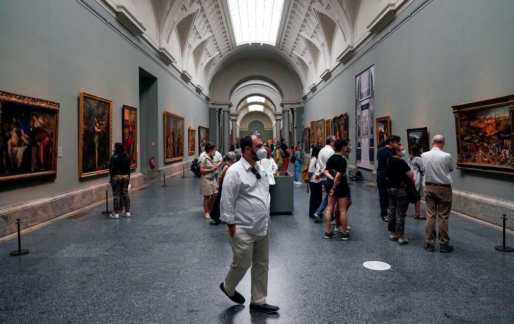 El Museo del Prado se llena nuevamente de visitantes en su primer día de reapertura