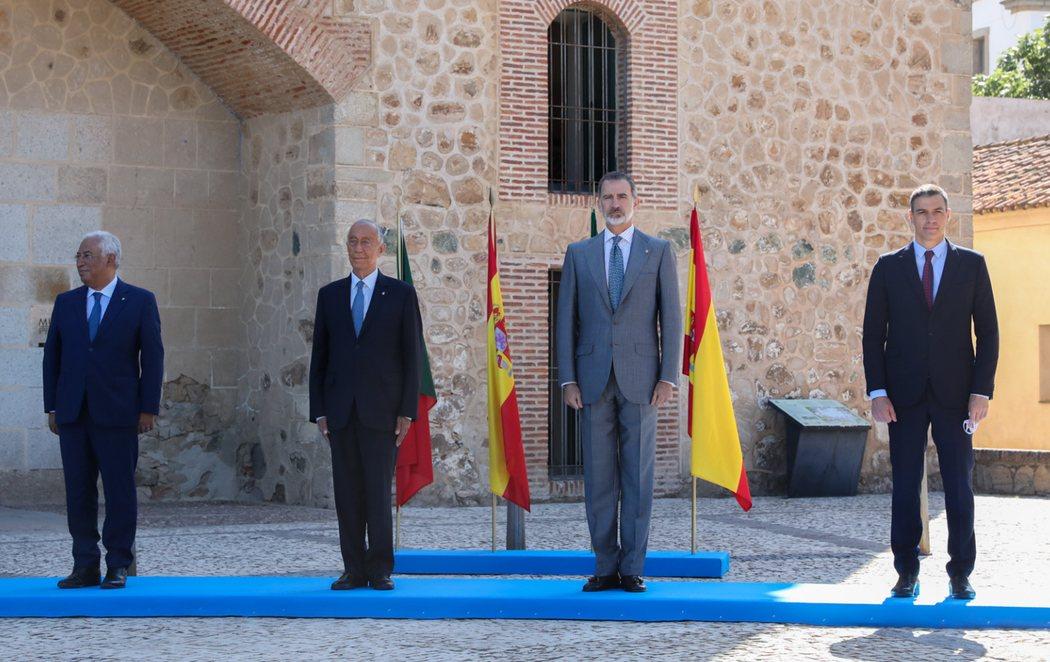 Acto solemne de reapertura de la frontera entre España y Portugal