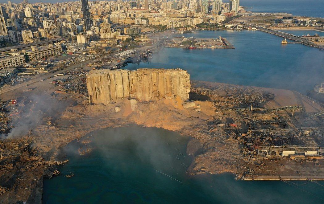 Beirut, completamente devastada mientras las autoridades buscan supervivientes