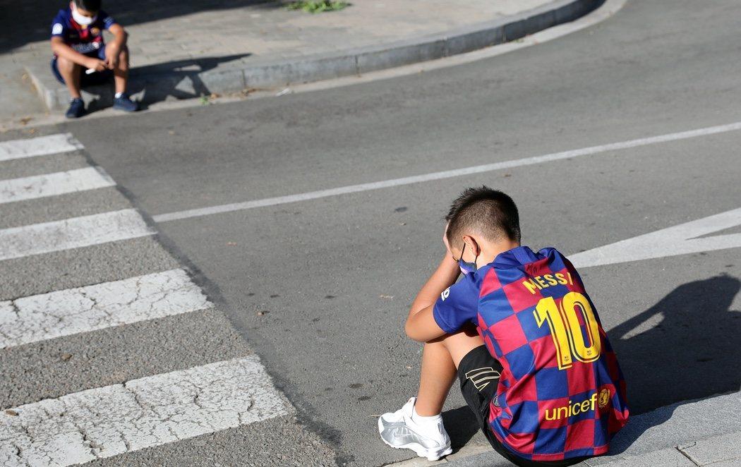 La afición del Barça, desolada: Messi finalmente no acude a las PCR para la nueva temporada