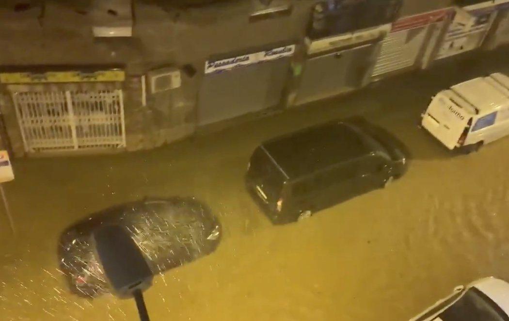 La Dana azota el Mediterráneo con inundaciones, caídas de árboles y cortes en trenes