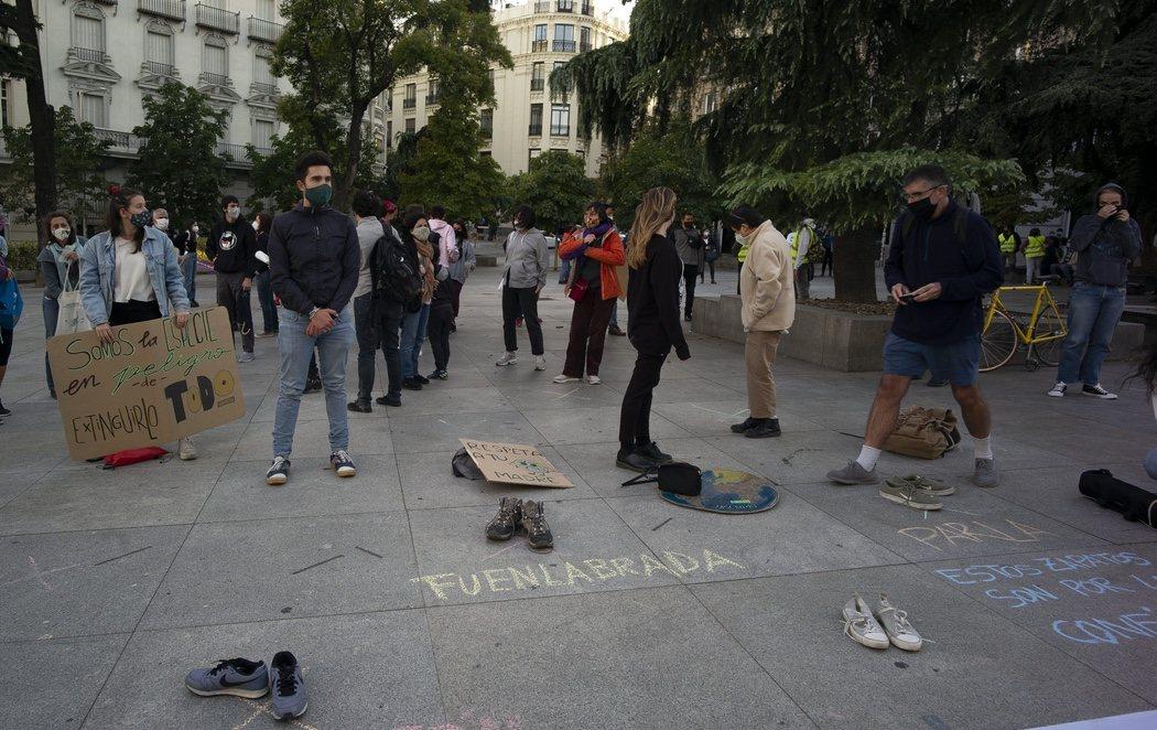 Gran manifestación contra la emergencia climática en Madrid con guiño a quienes no han acudido por los confinamientos