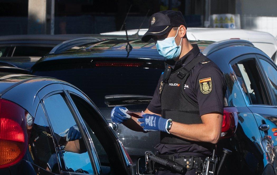 Madrid, cerrada: la policía vela por el control de los accesos a la capital