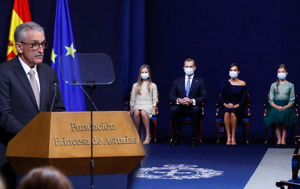 Emoción y lágrimas en el premio Princesa de Asturias a los sanitarios