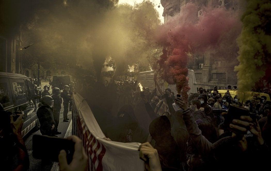 Más de un centenar de universitarios se manifiestan en Barcelona contra la precarización del sistema