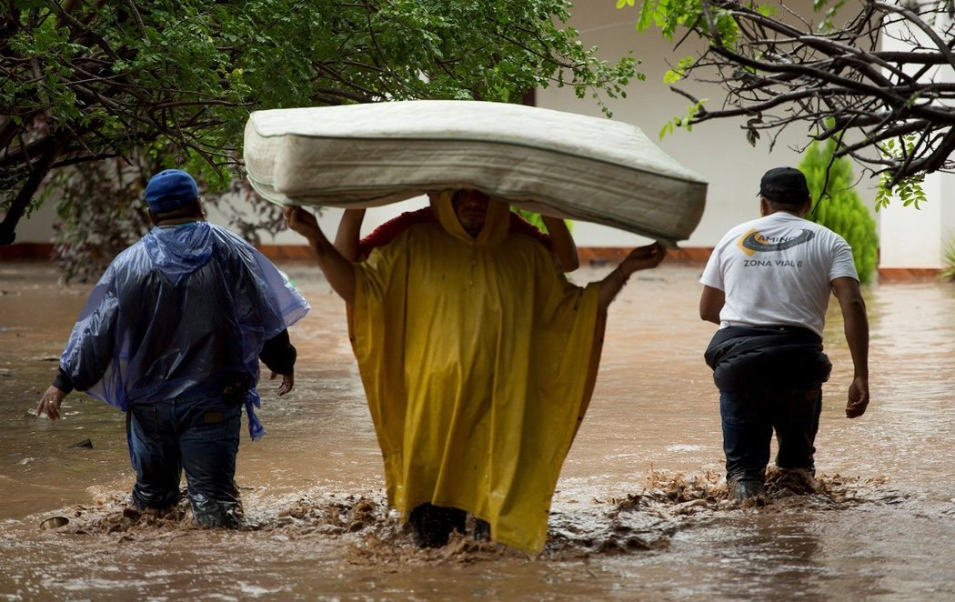 El devastador paso del huracán Iota por Centroamérica: al menos 38 muertos y miles de personas sin hogar