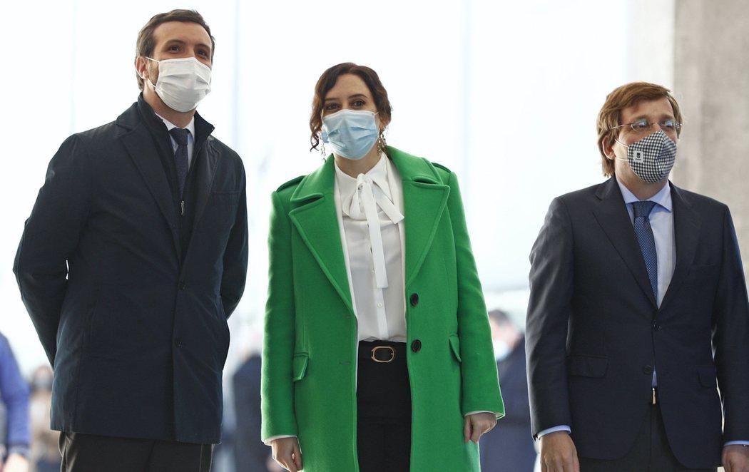 Inauguración del Hospital Isabel Zendal entre críticas y con Casado dejando en evidencia a Ayuso