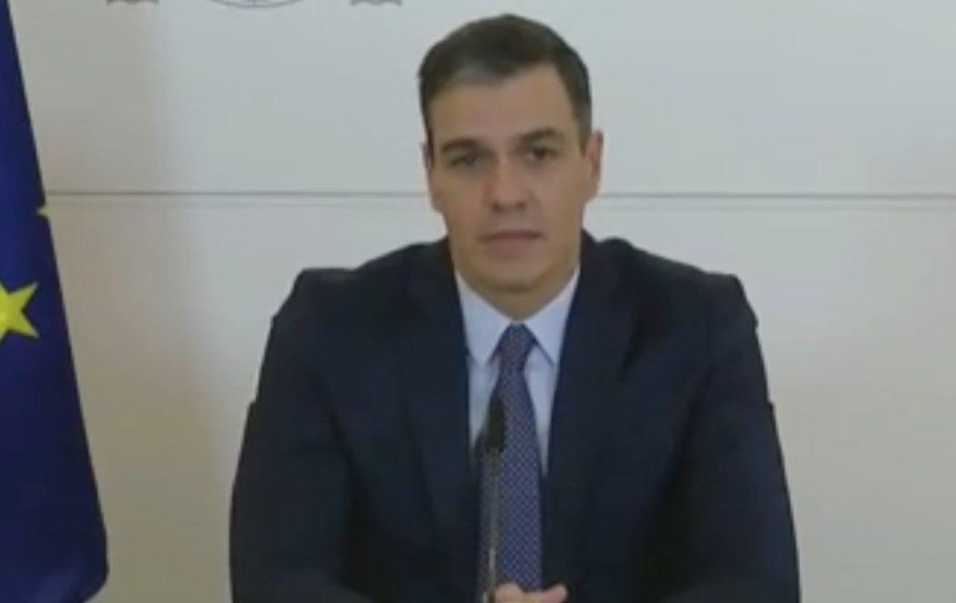 """Pedro Sánchez envía un mensaje a los militares: """"El Ejército destaca por su labor leal y callada al servicio de la democracia"""""""