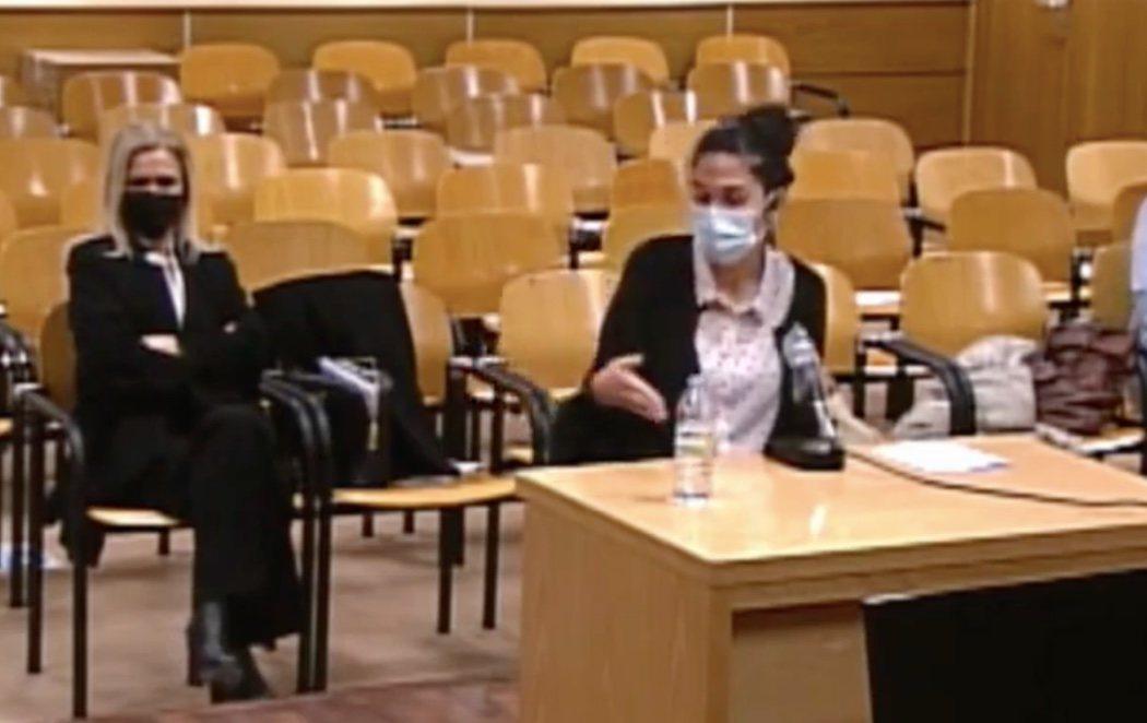 """Cifuentes acude al juzgado y la profesora que falsificó el máster denuncia amenazas: """"Cristina os va a matar"""""""