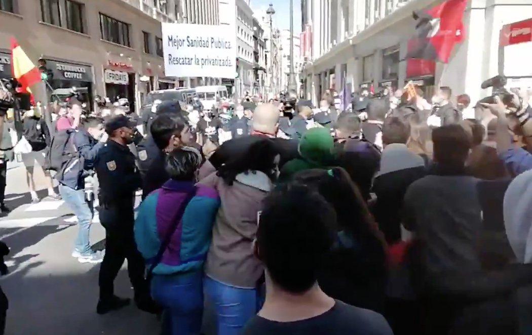 Varios neonazis irrumpen en una manifestación por la Sanidad Pública en Madrid