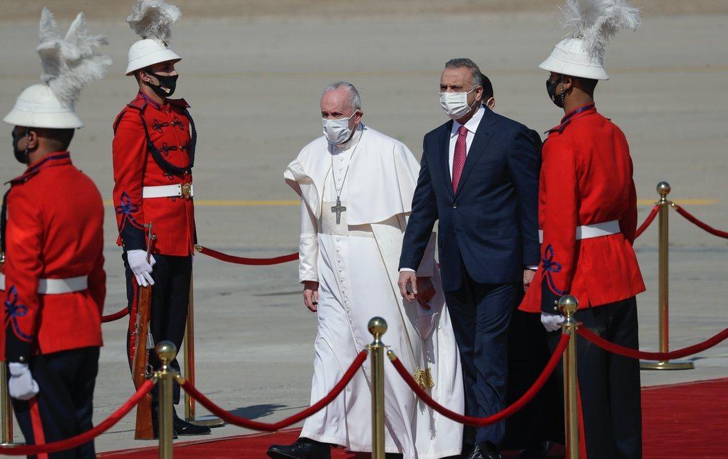 El Papa llega a Irak en la primera visita de un pontífice