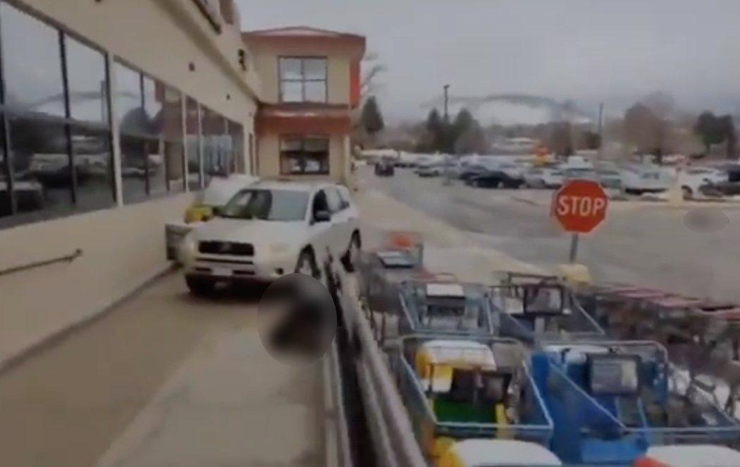 Al menos diez muertos en un tiroteo en un supermercado en Colorado