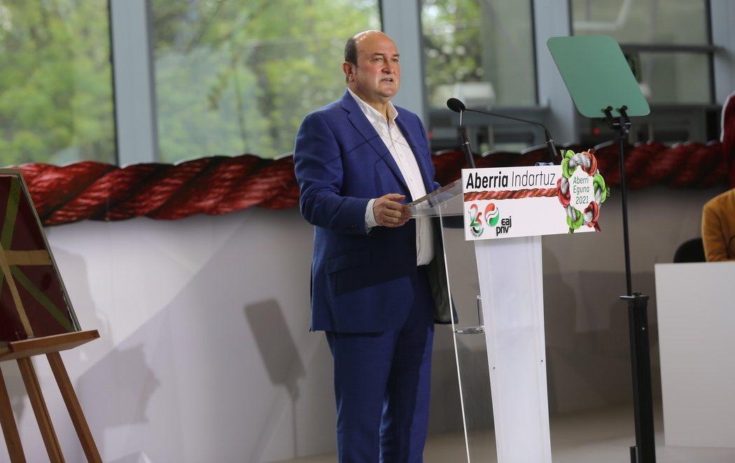 "El PNV reclama un referéndum independentista en el Aberri Eguna: ""Euskadi es la patria de los vascos"""