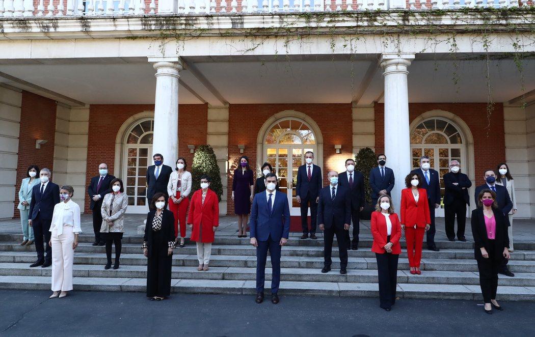 Nueva foto de familia del Gobierno tras los últimos cambios en el Ejecutivo