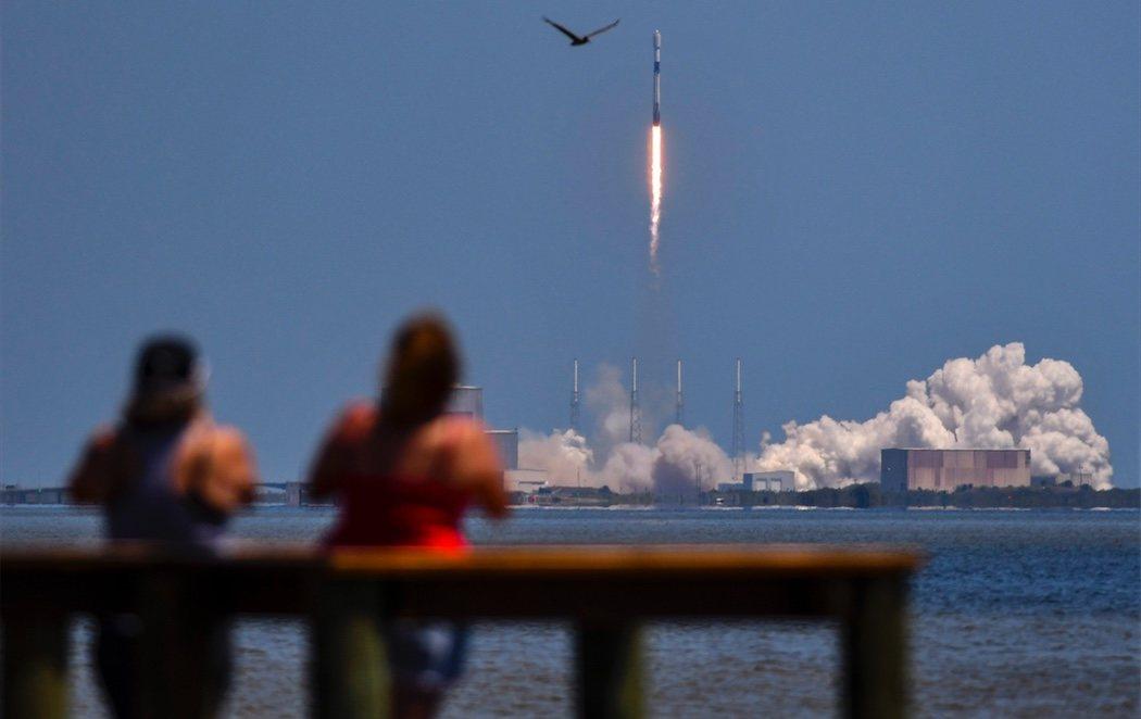 SpaceX lanza 60 satélites para su servicio de Internet Starlink