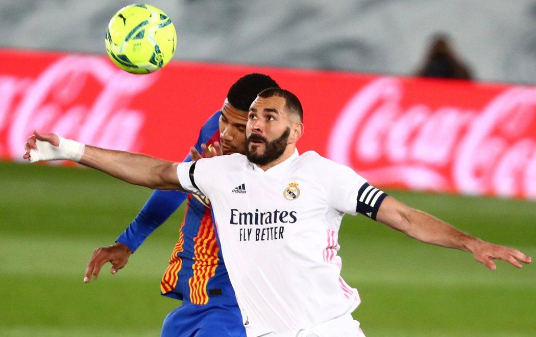 El Real Madrid se impone al Barça en el Clásico (2-1) y se pone líder de La Liga