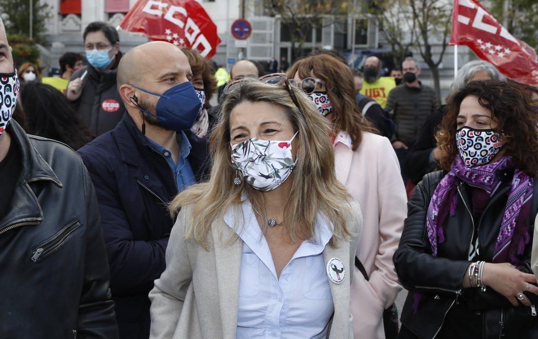 Yolanda Díaz, primera ministra de Trabajo en ejercicio de funciones que acude con los sindicatos al 1 de mayo