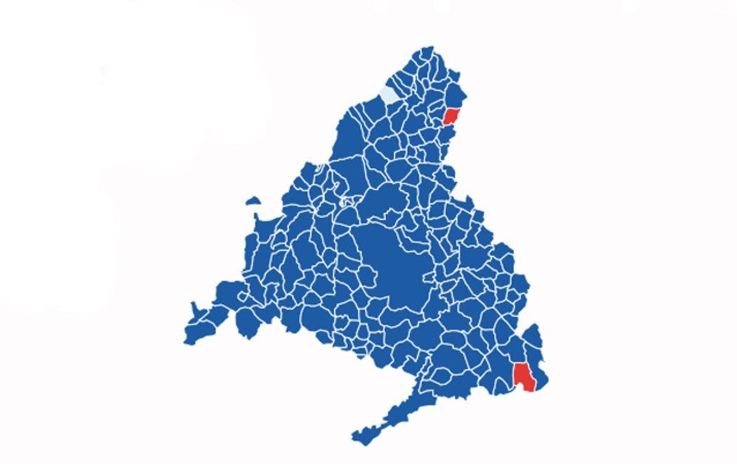 Ayuso tiñe de azul el mapa de la Comunidad de Madrid, incluidos los 21 distritos de la capital