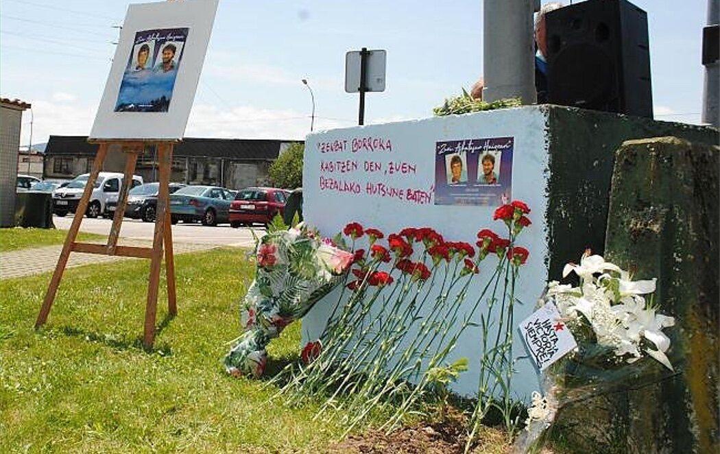 Homenajean a los miembros de ETA que atentaron contra el cuartel de la Guardia Civil en Vic con 10 muertos