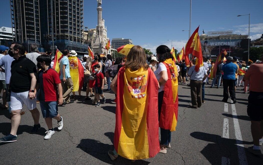 La manifestación de Colón reúne a 25.000 personas, la mitad que en 2019, según Delegación del Gobierno