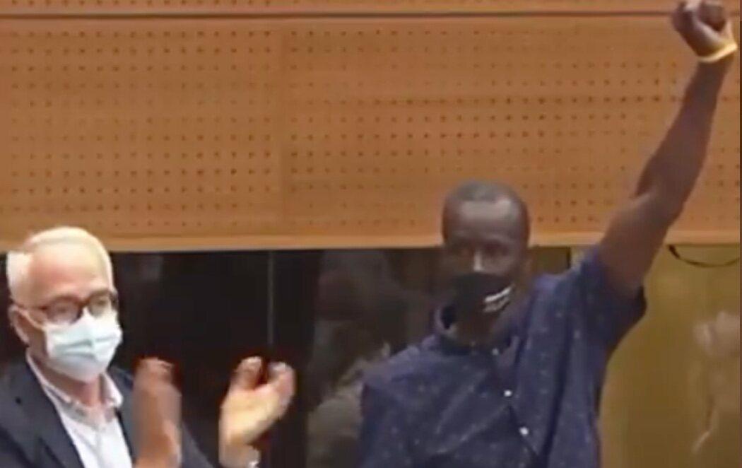 Tensión en la Asamblea de Madrid ante los ataques racistas de Rocío Monasterio (VOX) a Serigne Mbayé (Podemos)