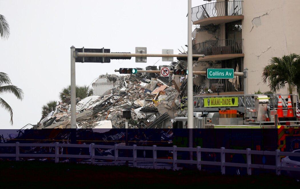 Miami busca a un centenar de personas entre los escombros tras el derrumbe de un edificio con cuatro muertos