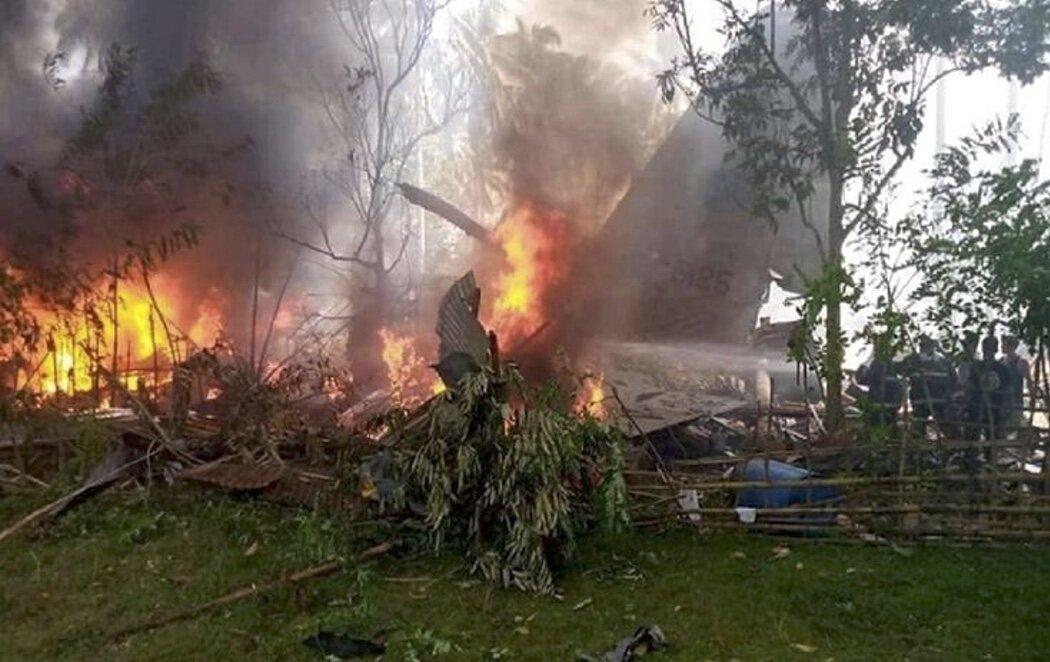 Al menos 29 muertos y 40 rescatados en el accidente de un avión militar en Filipinas