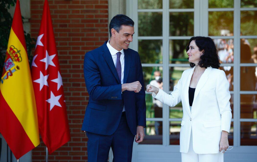 Pedro Sánchez y Ayuso se reúnen en la Moncloa