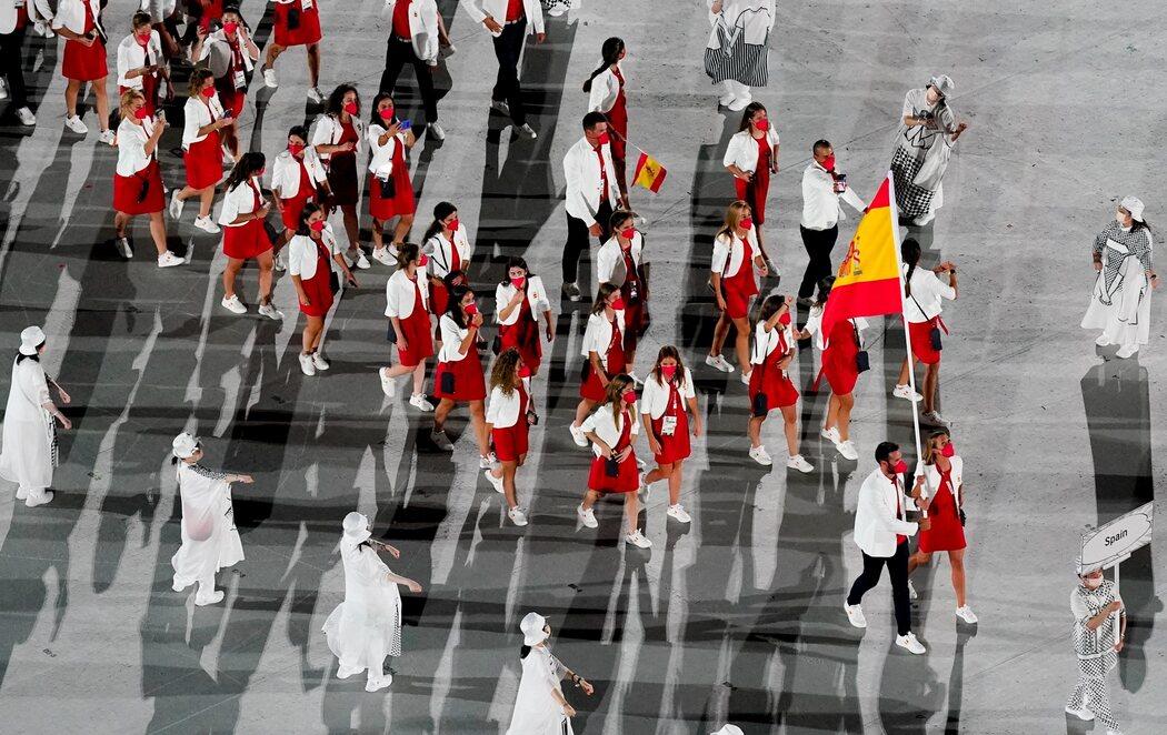 Ceremonia de apertura de los Juegos Olímpicos de Tokio 2020 con  Saúl Craviotto y Mireia Belmonte como abanderados de España