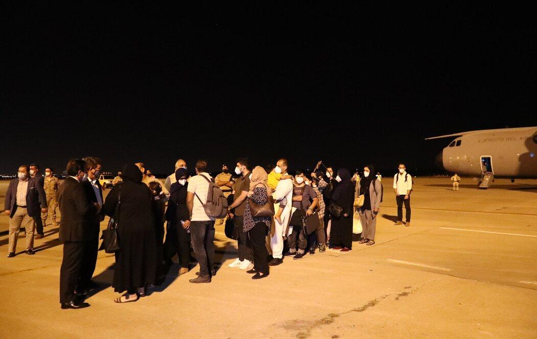 Aterrizan en España los 53 primeros evacuados de Afganistán